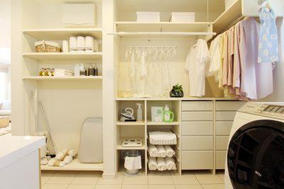 スペースを無駄なくキレイにまとめる!洗面所の収納アイデア