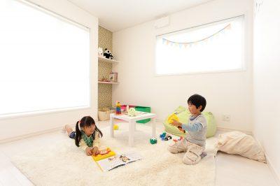 子どもも無理なくできてママも楽々!おもちゃの収納術