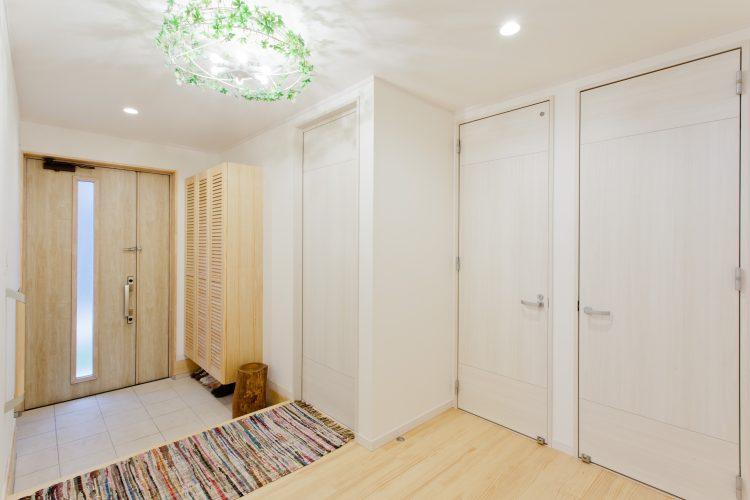 お家の顔はいつもきれいに!玄関収納のアイデアとは?