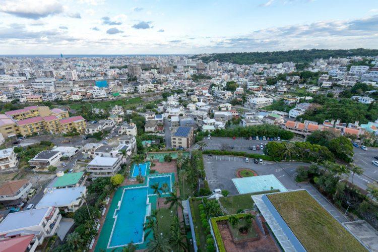 年中暖かい!観光地としても有名な沖縄県那覇市の住みやすさとは?