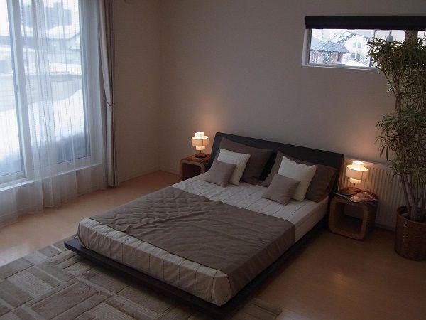 一日の疲れを癒す、くつろぎの主寝室。あたたかい陽がふりそそぐ心地よい空間です。