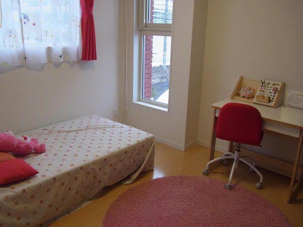 お子様部屋としてだけでなく、様々な家族構成や、突然の来客用の部屋としても用途が広がります。