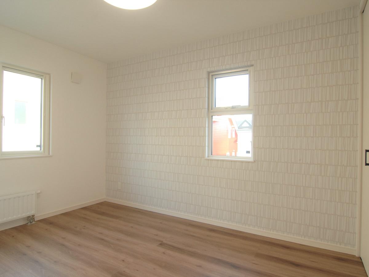 子ども部屋は大きく作りすぎないことで、リビングで家族と過ごす時間を作ります。