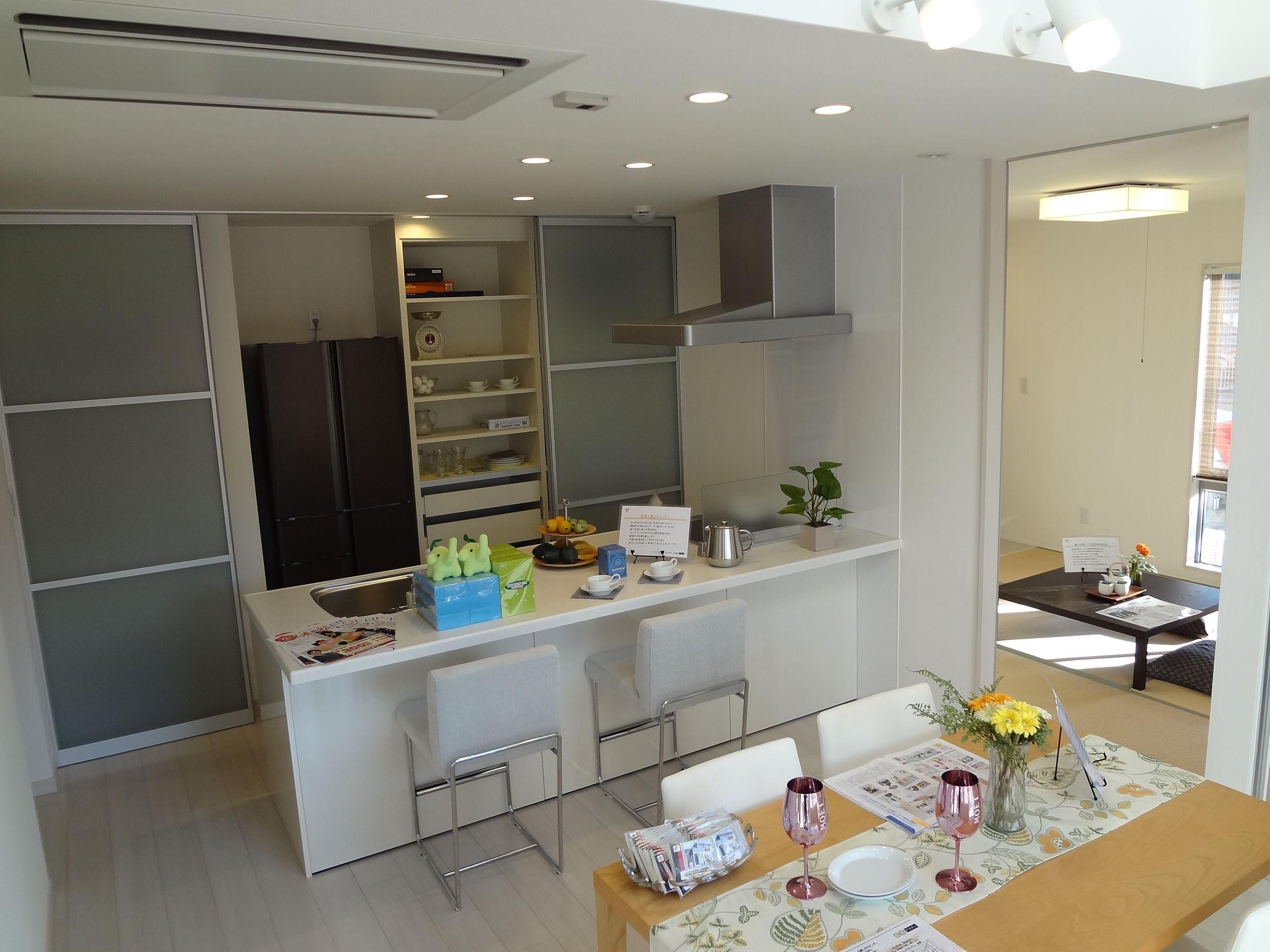 家族のつながりを保ちながらも、独立性のある空間をデザインしました。