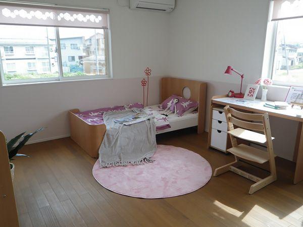 子供部屋は自立を育む大切な空間。風や陽の光がたっぷり入るよう工夫しました。