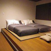 寝室は1日の疲れを癒し、ゆっくりくつろぐための大切な場所です。ゆとりのあるスペースに仕上げました。