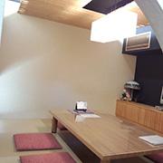 茶室をイメージした和室は掘りごたつにもなっているのでお年寄りにもやさしい和の空間。