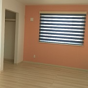 お子様が思春期になり、自室が欲しくなった時、成長に合わせて壁で仕切れる、可変スペースです。