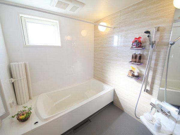 浴室は1.25坪と広々サイズが標準装備!開放的な広いスペースはご主人様も満足頂けます。