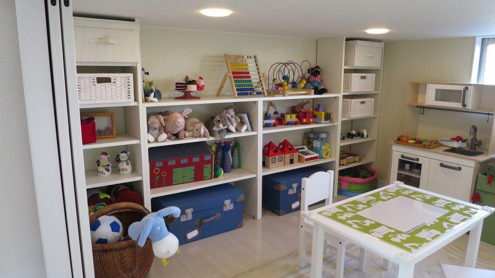 子育て世代はリビングにモノがあふれがち。リビングから出入りできるKidukiボックスはお子様が小さい頃は遊び場として、後々は書斎や大きな収納にもなるうれしいスペースです。