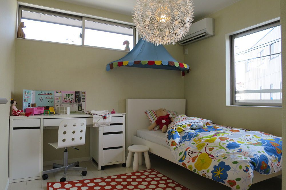女の子用にコーディネートされた子ども部屋です。可愛らしいインテリアや小物たちを新しいマイホームの参考にしてみてください。