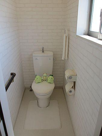 エコ「2Fにもトイレがあるんだね」ピョン吉「朝の忙しい時でもケンカにならないね」