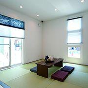 客間や、セカンドリビングとしても使えるオープンな和室。
