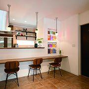 カフェ風のキッチン前のカウンターは特にカフェの雰囲気を出してくれます。