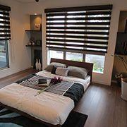 ホテルの一室のような、大人向けの安らぎ寝室です。