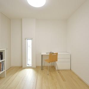 ママの趣味の部屋でも、パパの書斎としてでも、プライベートルームとしてお使い頂けます。
