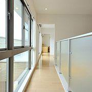 日常をちょっと贅沢にする、吹き抜け回廊という空間。