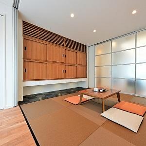 クリアウォールで間仕切れば独立空間に、オープンにすれば大空間にも。
