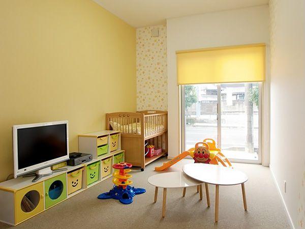 打合せ室に隣接しているキッズルームです。おもちゃやDVD、ゲームをご用意しておりますのでお子様をお連れの方もご安心ください!