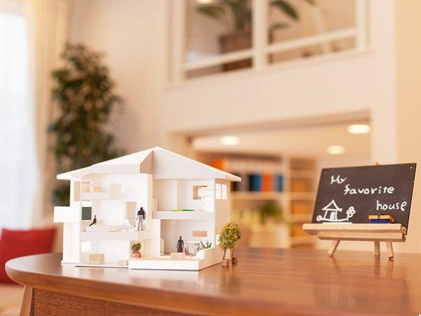 6つの重なる空間で、タテヨコの広がりと、スキップフロアを活用した+α発想の住まいです。
