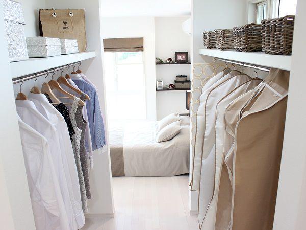 化粧室と寝室の間にあるウォークインクローゼット。左右一列ずつある収納で、ご夫婦のお洋服を分けれます。