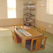 お昼寝や、来客をおもてなす場所として便利なスペース