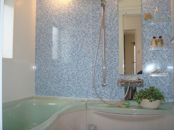 広々した浴室