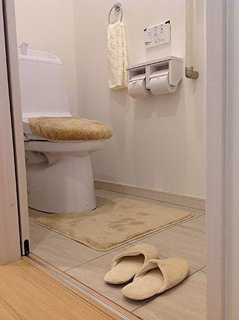 こんな狭い空間ももちろん床暖房完備です。冬場寒くなりやすい水まわりは、床材を熱の伝わりやすいタイルにしてより暖かく。