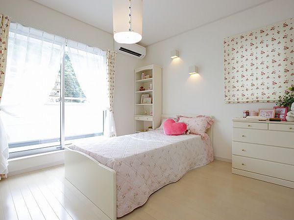 子供部屋は自立を育む大切な空間です。きちんと収納を設け、片付けの習慣も身に付きやすくなります。