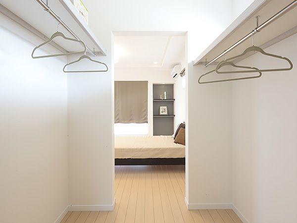 寝室のウォークインクローゼットは快適な身支度動線が時間のゆとりを生み出します。