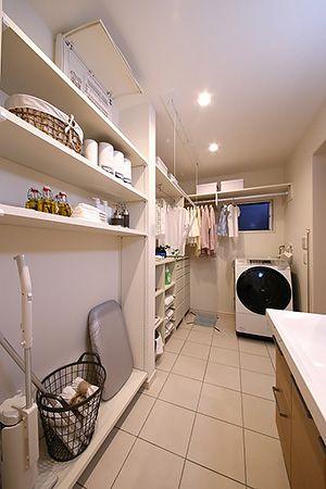 タオルやかさばる物は一ヵ所にまとめて収納できます。