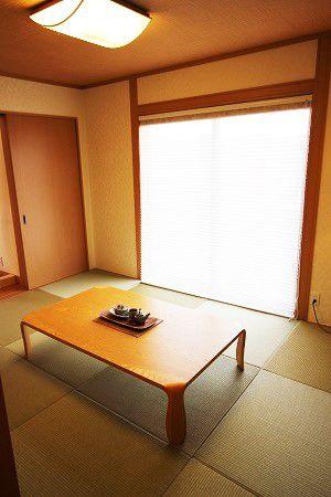 独立した空間にもリビングとの続き間にもなる和室