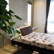 落ち着いた内観デザインでゆっくりと休むことができる寝室