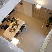 DKの上部に設けた吹抜けにより2階の子供部屋とのつながりも強くなります。