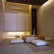 静かで落ち着いた和空間は、お客様をくつろぎの時間へ誘います