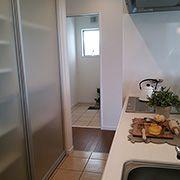 キッチンから洗面・浴室へ直線でアクセスできる動線はママの家事をとても楽にします。