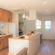 お気に入りのインテリアに囲まれて、家の中をもっと充実させたい。自分らしく愉しみながら過ごしたい。そんなライフスタイルの「ムク・ヌク」です。