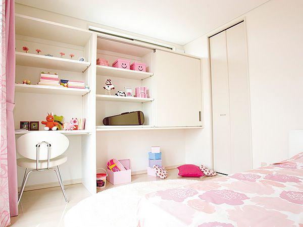 機能性と安全性を兼ね備えた大型収納を配置。子供の健やかな成長を支えるキッズルーム。