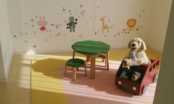 子供部屋として。ベランダにも出られます。