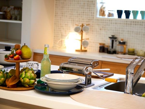 家族と会話が弾む、対面キッチン。