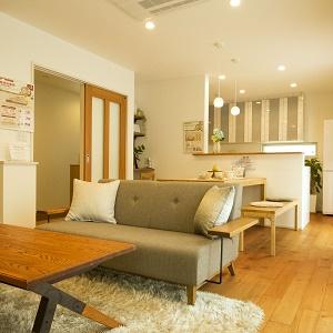 リビング階段はどの部屋に行くにもLDKを通るので、家族のコミュニケーションが自然と生まれます。