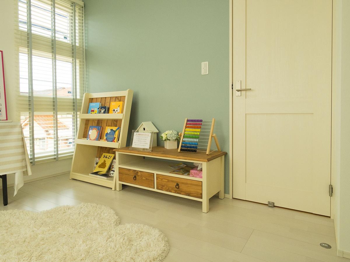 子ども部屋をキッズスペースにしているので、パパ・ママがお話し中でもお子様が退屈せずに過ごせます。