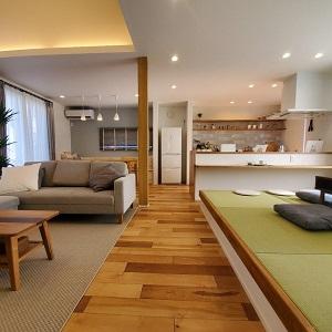 LDK+和室の広々とした空間でご家族全員がストレスなく集えます