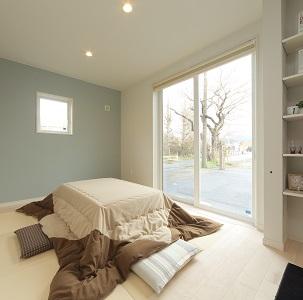 お子さまも安心、くつろぎのスペース。 開放的に利用できる和室です。
