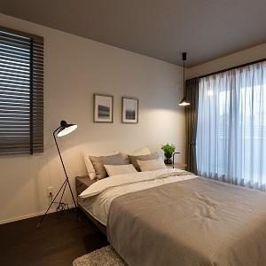 寝室はラグジュアリーな落ち着いた空間にしました。