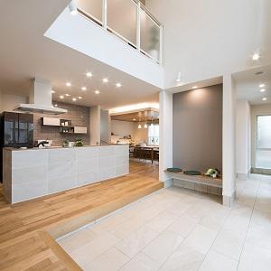 キッチンとDOMAテラスを中心に家族が一つに繋がります。