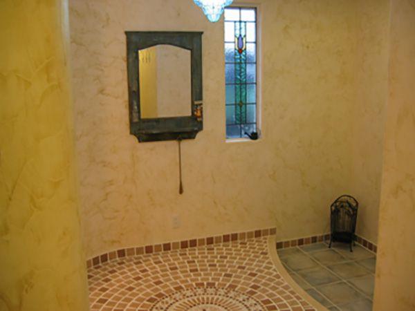 出来るだけ高低差をなくし、訪れるお客様を優しく包み込む玄関ホールに仕上げました。