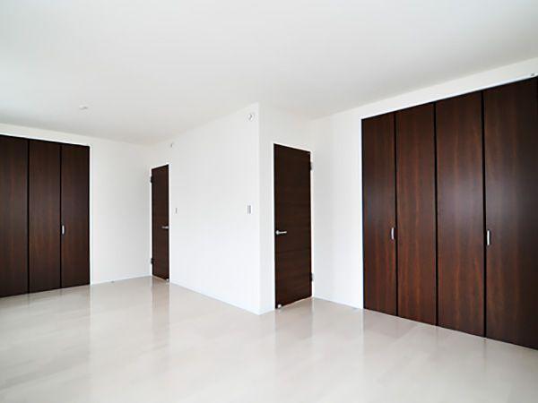 今は、お子様のプレイルームとして使用しています。お子様の成長に合わせ2部屋に間仕切可能な設計になっています。