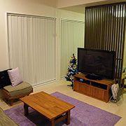 隣の和室との境界を壁ではなく、格子を使うことにより開放的な空間に仕上がっています。