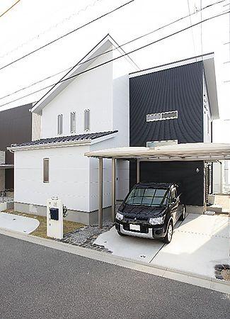 片流れの屋根が印象的なスタイリッシュモダンな外観デザイン。
